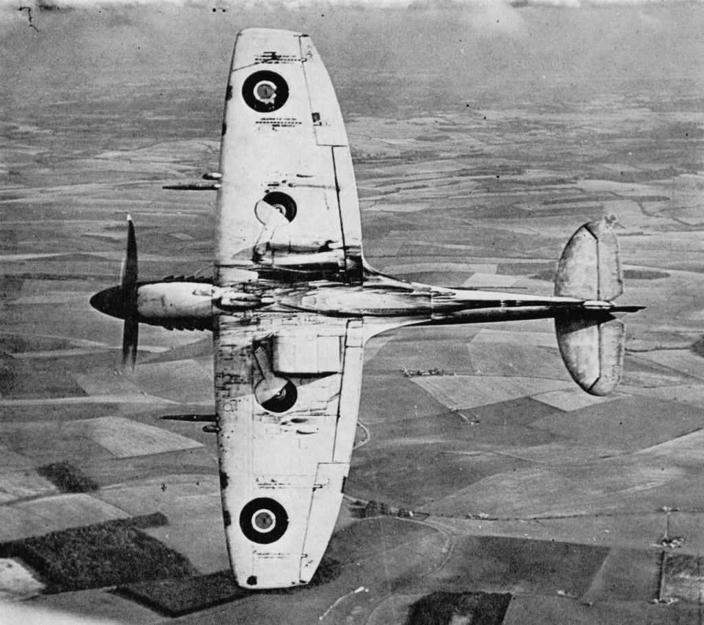 Supermarine_Spitfire_Mk.XII_4.JPG
