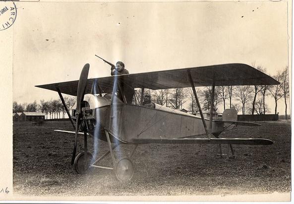 Nieuport_10B_prototype_with_pilot_and_gunner
