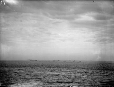 Invazní čluny čekají na povel k vylodění; Zdroj/Source: http://www.iwm.org.uk/collections/item/object/205186483, © IWM