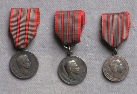 Medaila za zranenie - miniaturky. [foto: Ivan Chudý]