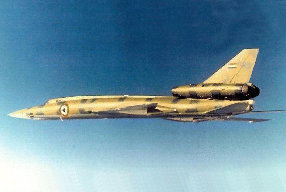 Tu-22B Lybian Arab Rapublik Air Force so staršou variantou výsostných znakov