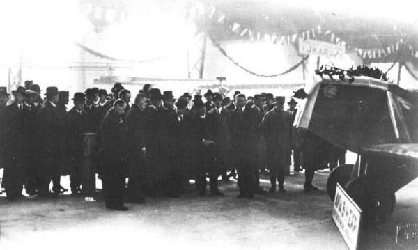 President Masaryk na stánku firmy Avia