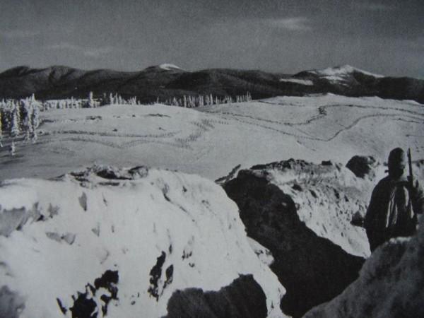 Rakusko-uhorska hliadka pozoruje ruske postavenia v Karpatoch 1914-1915