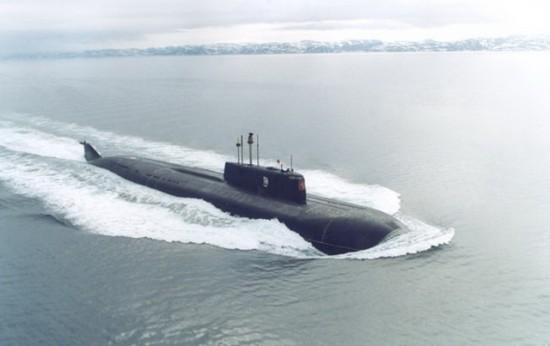 Ponorka  K-141 Kursk na volném moři