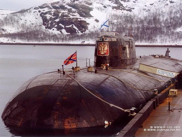 Ponorka K-141 Kursk v domovském přístavu