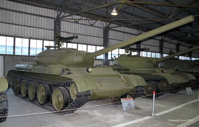 Stredný tank T-54-1, múzeum v Kubinke, autor FotosergS